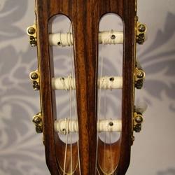 headstock guitar strings